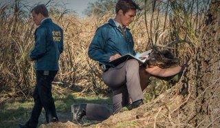True Detective: Woody Harrelson e Matthew McConaughey nell'episodio The Long Bright Dark