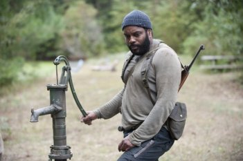 The Walking Dead: Chad L. Coleman in una sequenza dell'episodio Il bosco