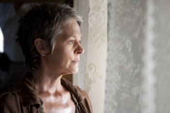 The Walking Dead: un primo piano di Melissa Suzanne McBride nell'episodio Il bosco