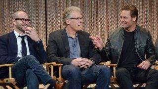 Damon Lindelof con Josh Holloway e Carlton Cuse durante il Paleyfest del 2014