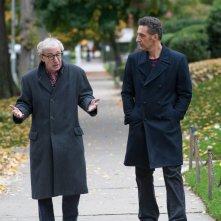 Gigolò per caso: Woody Allen insieme a John Turturro in un momento del film