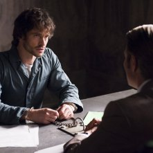 Hannibal: Hugh Dancy e Mads Mikkelsen nell'episodio Hassun