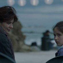Nessuno mi pettina bene come il vento: Laura Morante con Andreea Denisa Savin in una scena del film