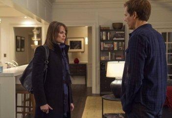 The Following: Kevin Bacon e Sprague Grayden nell'episodio Unmasked