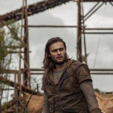 Noah: Douglas Booth in una scena del film