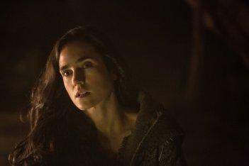Noah: un primo piano di Jennifer Connelly nell'oscurità