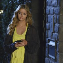 Pretty Little Liars: Sasha Pieterse nell'episodio A is for Answers