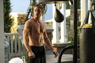 Revenge: Justin Hartley durante una scena dell'episodio Struggle