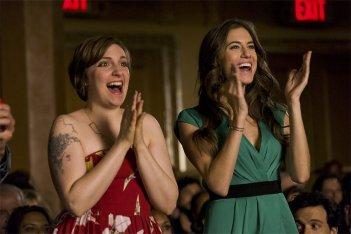 Girls: Lena Dunham e Allison Williams nel finale della terza stagione, Two Plane Rides