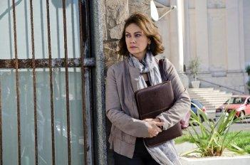 Le due leggi: Elena Sofia Ricci in un momento della fiction