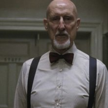 American Horror Story, Asylum: James Cromwell in una scena dell'episodio Tricks and Treats