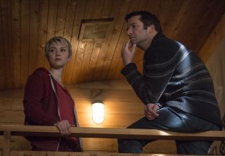 The Following: James Purefoy e Valorie Curry in una scena dell'episodio Teacher's Pet