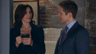 The Good Wife: Matt Czuchry e Julianna Margulies nell'episodio Dramatics, Your Honor