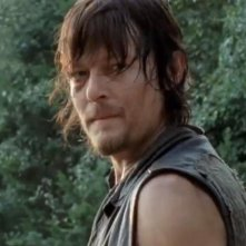 The Walking Dead: un primo piano di Norman Reedus nell'episodio Noi