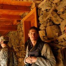Tim Hetherington: dalla linea del fronte, il fotografo di guerra Tim Hetherington in una scena