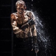 Tom Hiddleston in una delle più significative scene di Coriolanus
