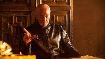 Il trono di spade: Charles Dance in un'immagine della quarta stagione della serie
