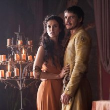 Il trono di spade: Pedro Pascal con Indira Varma in una scena dell'episodio Two Swords