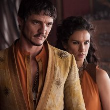 Il trono di spade: Pedro Pascal e Indira Varma in una scena dell'episodio Two Swords