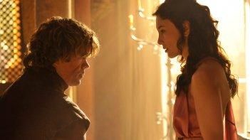 Il trono di spade: Sibel Kekilli e Peter Dinklage in una scena della quarta stagione