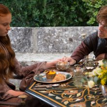 Il trono di spade: Sophie Turner e Peter Dinklage nell'episodio Two Swords