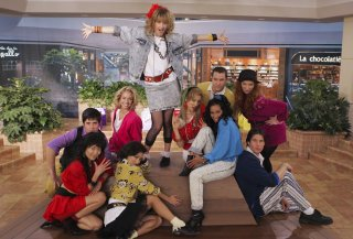How I Met Your Mother: Cobie Smulders nei panni di Robin Sparkles nell'episidio Slap Bet