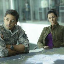 Helix: Mark Ghanimé e Kyra Zagorsky nel primo episodio della serie