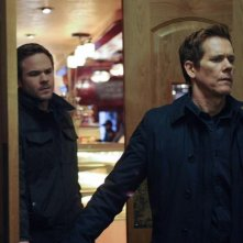 The Following: Kevin Bacon e Shawn Ashmore in una scena dell'episodio Freedom della seconda stagione