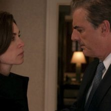 The Good Wife: Julianna Margulies e Chris Noth in una scena dell'episodio The Last Call