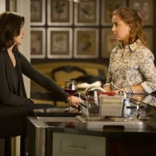 The Good Wife: Julianna Margulies e Makenzie Vega in una scena dell'episodio The Last Call