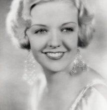 Una foto di June MacCloy