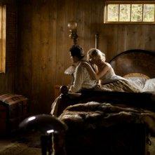 Una folle passione: Jennifer Lawrence e Bradley Cooper in un momento intimo