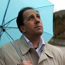 Stefano Simondo è il commissario Giotti nel film corto Ladri di niente