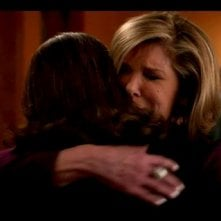 The Good Wife: Christine Baranski e Julianna Margulies in una scena dell'episodio The Last Call