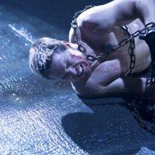 Arrow: Stephen Amell in una scena dell'episodio Sacrificio, finale della prima stagione
