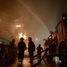 Arrow: una scena dell'episodio Bruciato, della prima stagione