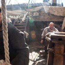 Black Sails: Toby Stephens e Mark Ryan nel quinto episodio della prima stagione