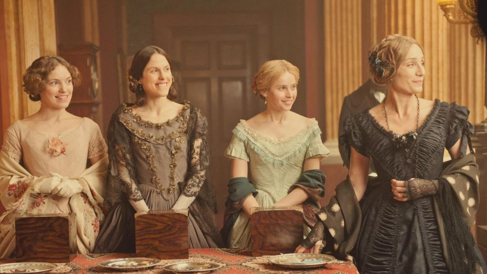 Kristin Scott Thomas con Felicity Jones, Perdita Weeks e Susanna Hislop in The Invisible Woman
