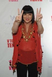 Una Foto Di Eve Ensler 328281