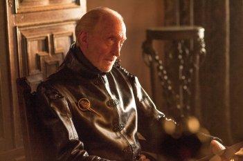 Il trono di spade: Charles Dance in un'immagine dell'episodio Two Swords