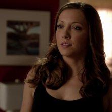 Arrow: Katie Cassidy nell'episodio Vertigine