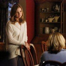 Revenge: Emily VanCamp in una scena dell'episodio Blood, della terza stagione