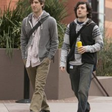 Silicon Valley: Thomas Middleditch e Josh Brener in una scena