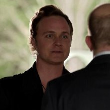 Arrow: David Anders nell'episodio Tradimento
