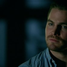 Arrow: Stephen Amell nell'episodio Tradimento