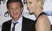 Charlize Theron e Sean Penn in The Last Space
