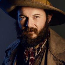 TURN: un'immagine promozionale per il personaggio di Daniel Henshall