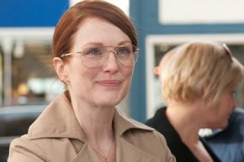 The English Teacher: un primo piano di Julianne Moore