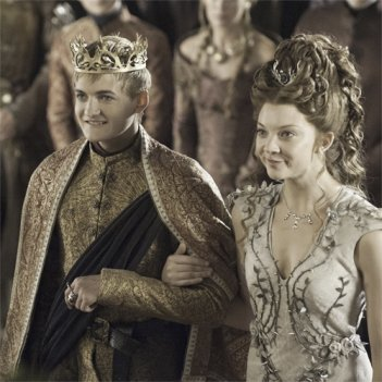 Il trono di spade: Jack Gleeson e Natalie Dormer nell'episodio The Lion and the Rose