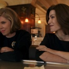 The Good Wife: Christine Baranski con Julianna Margulies nell'episodio A Material World
